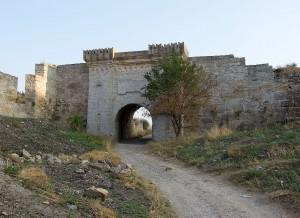 Восточные ворота Ени-кале