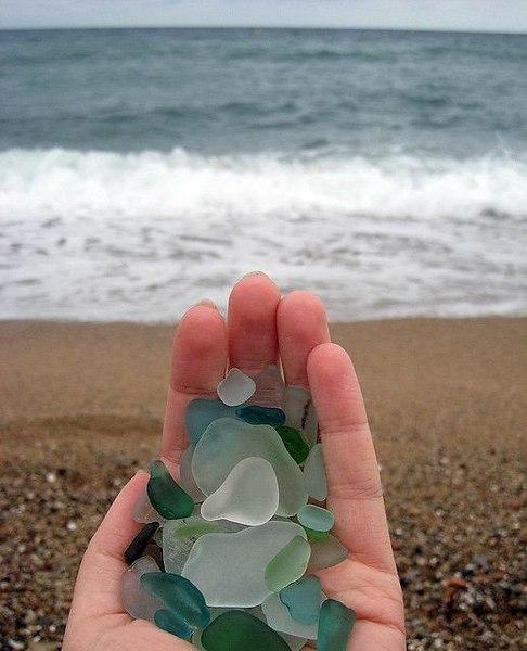 Окатанные морем стеклышки