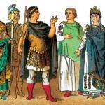 Византийский костюм (Восточно-римская империя) лёгкие натуральные ткани (хлопок, лен) чистых цветов. Очень удобные для фото-сервиса. Оружие удобно для исторических тиров: метание копья, стрельба из лука.